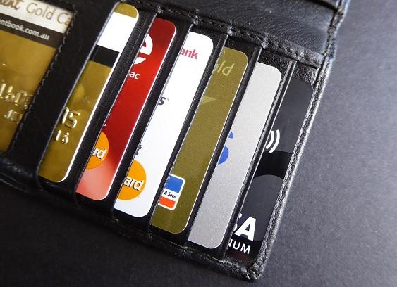 Schuldenfalle Finanzieren mehrere Kreditkarten