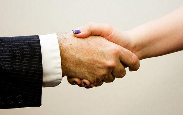 Außergerichtlicher Vergleich Handschlag