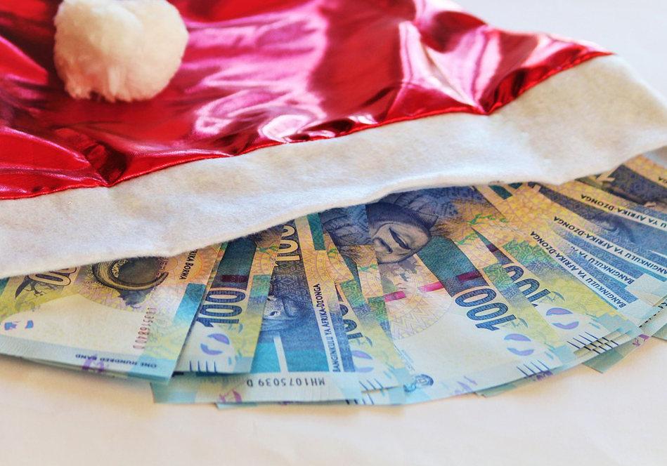 Weihnachtsgeld pfändbar Geldscheine Weihnachtsmütze