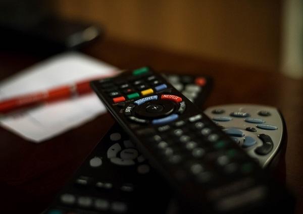 fernbedienung tisch peter zwegat raus aus den schulden zurück im tv