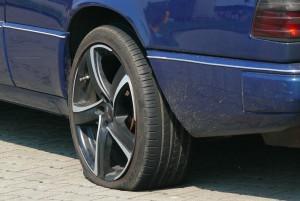 Auto Pfändung Ventilwächter Platter Reifen