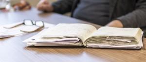 Schuldnerberatung für Selbstständige Anwalt Selbstständiger Tisch Beratung