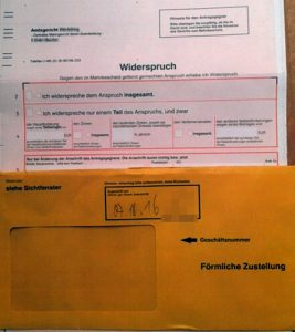 Mahnbescheid Widerspruch gelber Umschlag gerichtliche Zustellung