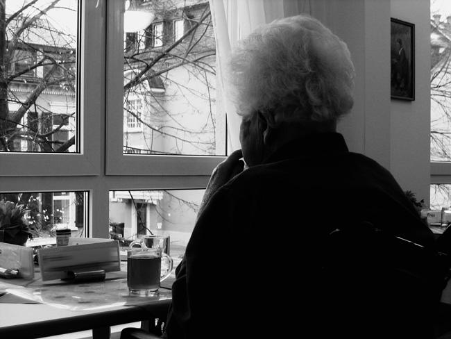 Zwangsversteigerung Zwangsvollstreckung Krankheit Seniorin