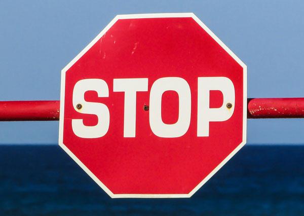 Schulden Verschuldung Stop Schild Pfädnung