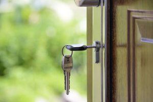 Schlüssel Haustür offen Wohnung Gerichtsvollzieher