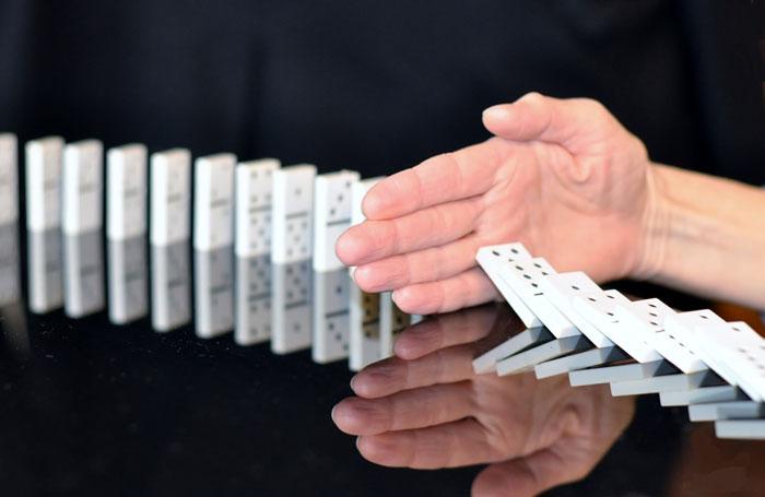 Domino Stop Schulden loswerden